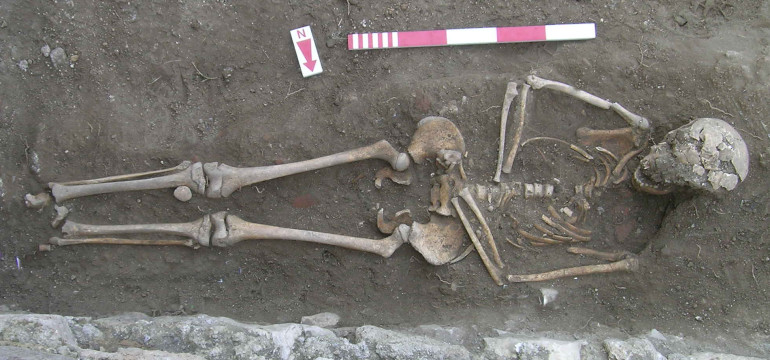 Fig. 60_Grave (T019), one of the latest graves which may postdate the castrum wall